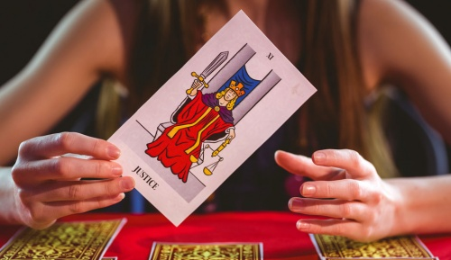 All You need to know about Online Tarot Card Reading