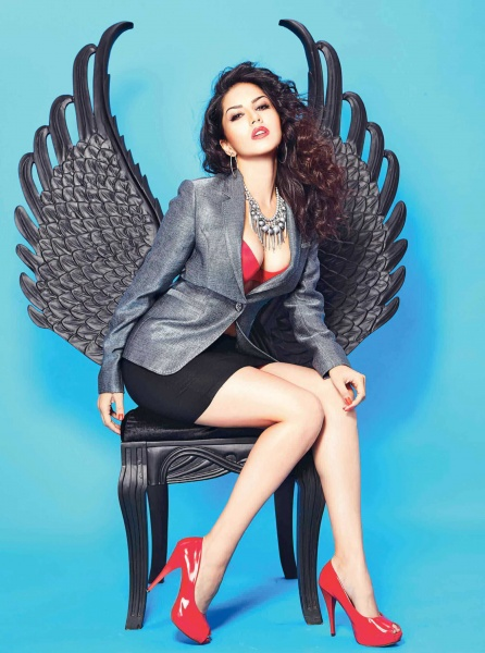 Check out the Life predictions of Sunny Leone